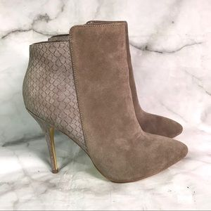 💥 Steve Madden Dace suede ankle boots 10
